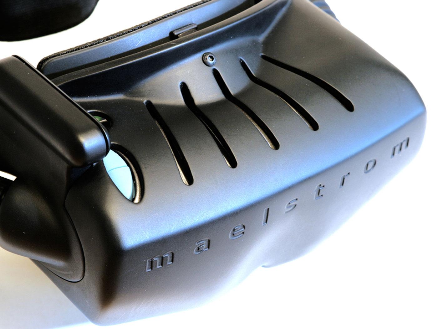 virtual-reality-headset-01